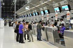 Contadores de enregistramiento del aeropuerto Fotografía de archivo