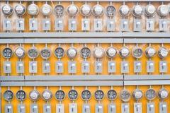 Contadores de la electricidad foto de archivo