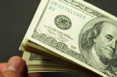 Contagem do dinheiro Fotografia de Stock Royalty Free