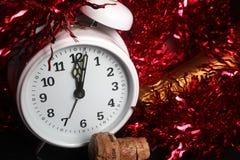 Contagem regressiva do ano novo - relógio branco imagens de stock