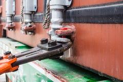 Container de verbindingen die, de verbindingen voor beschermen binnen product snijden Stock Afbeeldingen