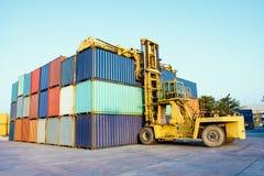 Container met vorkheftrucklading Royalty-vrije Stock Afbeelding