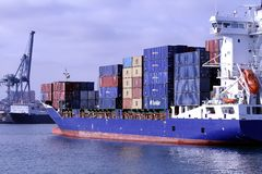 Free Container Ship Royalty Free Stock Photo - 32209265