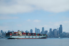 Container ship arriving in Seattle Royalty Free Stock Photos
