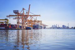Container vessel unloaded in Port Royalty Free Stock Photos