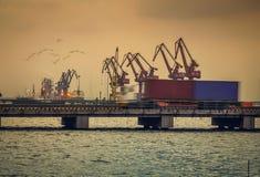 Containerbahnhof lizenzfreie stockfotografie
