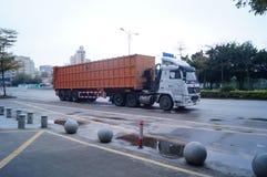 Containerfahrzeug Stockbild