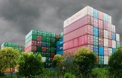 Containers van rond de wereld Stock Foto