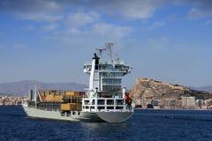 Containerschiff: Achternansicht Stockbilder