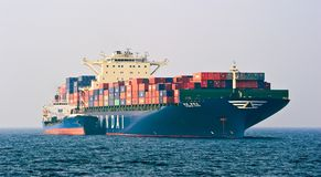 Containerschiff Bunkering-Tanker Ostrov Russkiy Hyundai-Firma Primorsky Krai Ost (Japan-) Meer 19 04 2014 Stockbild