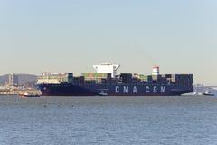 Containerschip Benjamin Franklin in San Francisco royalty-vrije stock afbeeldingen