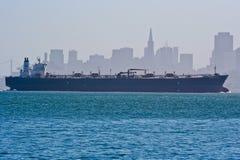 Containerschip en de horizon van San Francisco Royalty-vrije Stock Foto