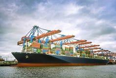 Containerschip in Hamburg Royalty-vrije Stock Foto's