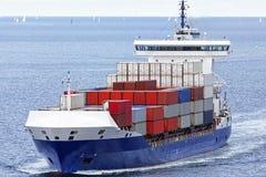 Containerschip op de Oostzee Stock Afbeelding
