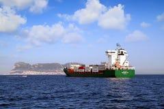 Containership Contship radość zakotwiczająca w Algeciras zatoce fotografia stock