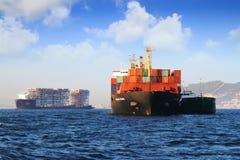 Containership de Handelaar van Calais in Algeciras baai in Spanje wordt verankerd dat Royalty-vrije Stock Foto