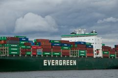 Containership in haven Stock Afbeeldingen