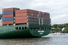 Containership i port Arkivfoto