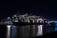 Containerterminal bij nacht Stock Afbeelding