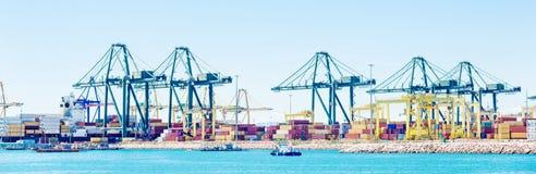 Containerterminal in haven royalty-vrije stock fotografie