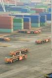 Containerterminal in Rotterdam met automatische voertuigen Stock Afbeeldingen
