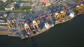 Containervrachtschip, invoer-uitvoer, bedrijfs logistisch leveringsketen vervoersconcept stock footage