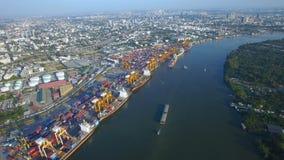 Containervrachtschip, invoer-uitvoer, bedrijfs logistisch leveringsketen vervoersconcept stock video