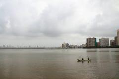 Contaminó el mar en Bombay Foto de archivo