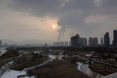 Contaminación atmosférica de la ciudad Fotografía de archivo