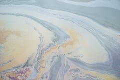 Contaminación de agua del aceite Fotos de archivo
