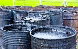 Contaminación de agua sucia en el tanque Foto de archivo libre de regalías