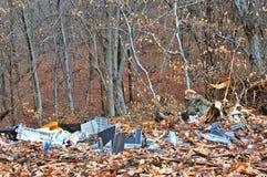 Contaminación de hoy de la cultura humana de la naturaleza y del bosque foto de archivo