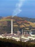 Contaminación de la chimenea de la refinería fotografía de archivo