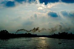 Contaminación de la industria en Tailandia Fotos de archivo libres de regalías