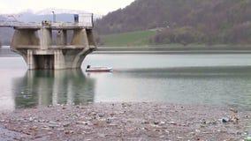 Contaminación de la presa del agua almacen de video