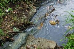 Contaminación del río Imágenes de archivo libres de regalías