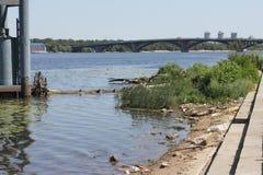 Contaminación industrial de los cuerpos del agua Fotografía de archivo