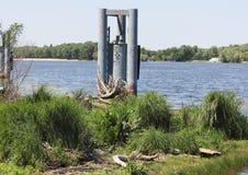Contaminación industrial de los cuerpos del agua Imágenes de archivo libres de regalías