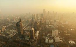 Contaminación sobre la ciudad Imagen de archivo libre de regalías