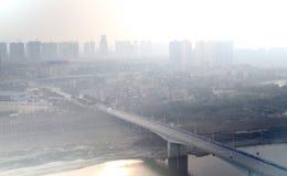 Contaminación atmosférica de la ciudad Foto de archivo libre de regalías