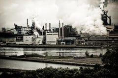 Contaminación de la planta siderúrgica Imágenes de archivo libres de regalías
