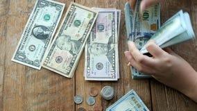 Contando o dinheiro vídeos de arquivo