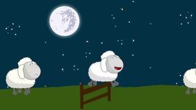 Contando ovejas ese salto sobre una cerca de madera en una noche de la Luna Llena stock de ilustración