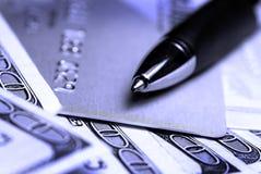 Contant geld en Creditcard Stock Foto's