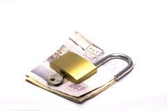 Contant geld en Slot Royalty-vrije Stock Afbeeldingen