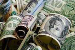Contant geldamerikaanse dollars royalty-vrije stock afbeeldingen