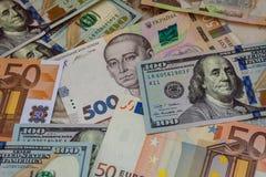 Contant geldbankbiljetten op de lijst royalty-vrije stock afbeelding