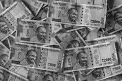 Contant geldstapel van Indische Munt zwart-wit stock foto's