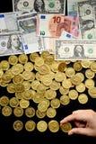 Contas do Euro e notas de dólar e moedas de ouro Imagem de Stock Royalty Free