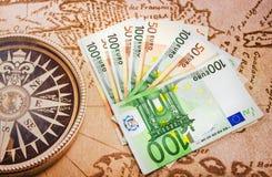 Contas do Euro no mapa grande Imagem de Stock Royalty Free